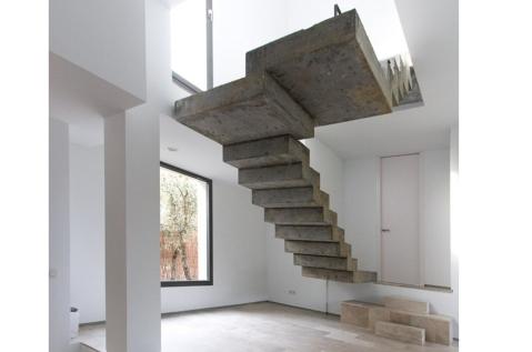 Detalle escalera caj n de sastre de arquitecto - Escaleras de hormigon armado visto ...