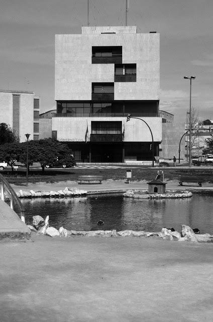 Alejandro de la Sota . sede del Gobierno Civil . Tarragona (1)