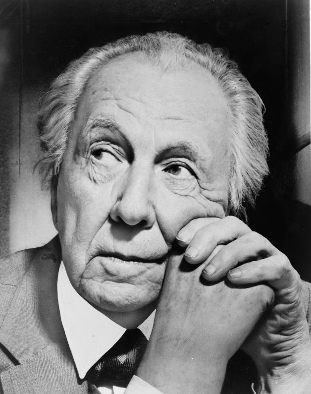 Frank_Lloyd_Wright_portrait