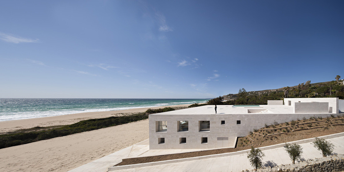 w1108_25_House_of_the_Infinite_Javier_Callejas